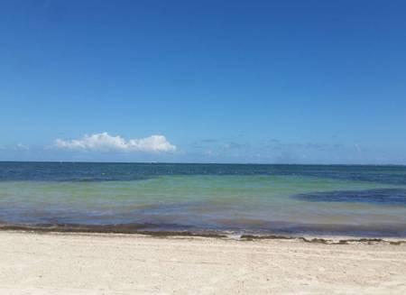 playa-las-perlas-cancun beach