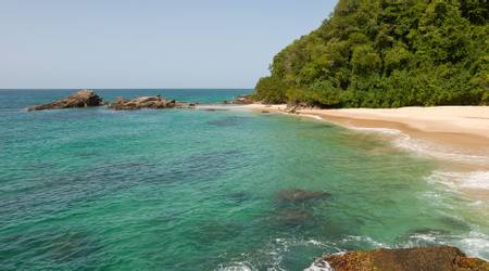 playa-mono-manso-guayabal-miranda beach