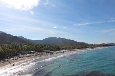 playa-parguito-antolin-del-campo-nueva-esparta beach