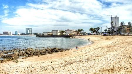 playa-pinitos-mazatlan-sinaloa beach