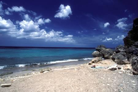 playa-shon-mosa-soto-curacao beach