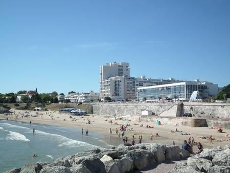plage-de-foncillon-royan-nouvelle-aquitaine beach