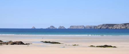 plage-de-goulien-crozon-brittany beach