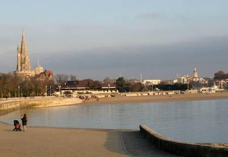 plage-de-la-concurrence-la-rochelle beach