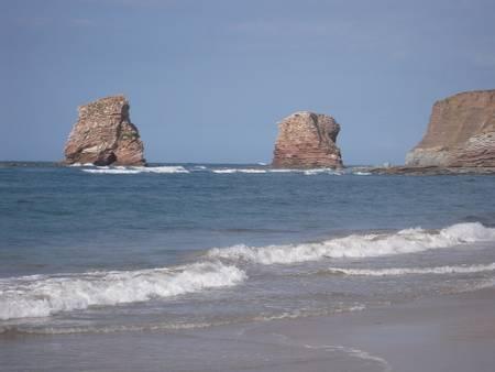 plage-des-deux-jumeaux-hendaye-nouvelle-aquitaine beach