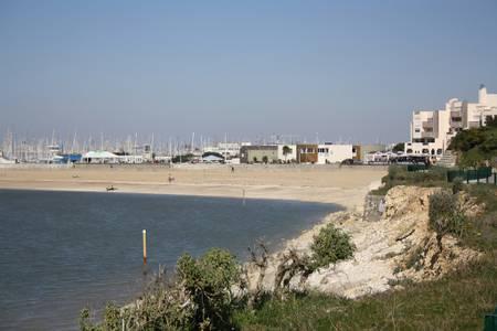 plage-des-minimes-la-rochelle-nouvelle-aquitaine beach