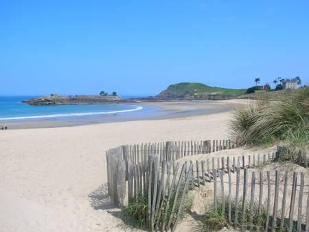 plage-du-port-ile-tudy-brittany beach