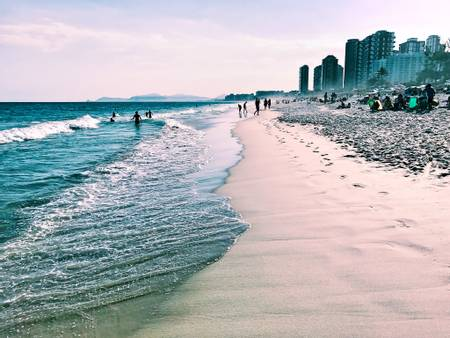 praia-da-barra-da-tijuca-rio-de-janeiro beach
