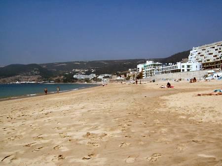 praia-da-calif%C3%B3rnia-sesimbra-%C3%A1rea-metropolitana-de-lisboa beach