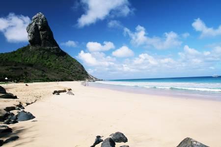 praia-da-concei%C3%A7%C3%A3o-fernando-de-noronha-pernambuco beach