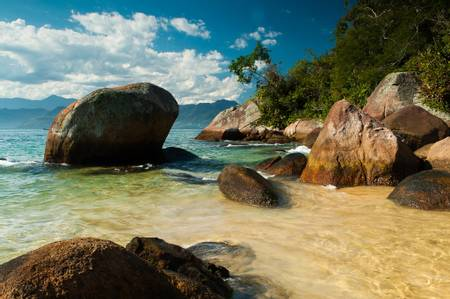 praia-da-feiticeira-angra-dos-reis-rio-de-janeiro beach