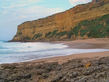 praia-da-foz-sesimbra-%C3%A1rea-metropolitana-de-lisboa beach