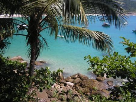 praia-da-julia-angra-dos-reis-state-of-rio-de-janeiro beach