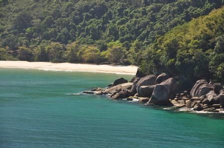 praia-da-parnaioca-angra-dos-reis-state-of-rio-de-janeiro beach