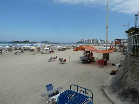 praia-das-pitangueiras-guaruja-sao-paulo beach