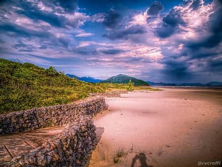 praia-de-guaratuba-bertioga-state-of-sao-paulo beach