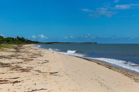 praia-de-santo-andr%C3%A9-santa-cruz-cabr%C3%A1lia-bahia beach