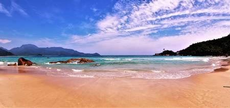 praia-do-aventureiro-angra-dos-reis beach