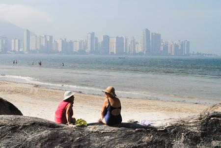 praia-do-gonzaguinha-sao-vicente-state-of-sao-paulo beach