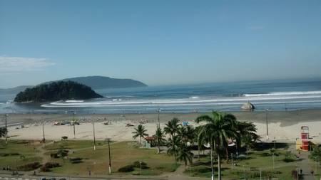 praia-do-itarare-sao-vicente-sao-paulo beach