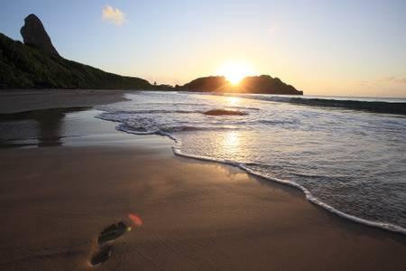 praia-do-meio-fernando-de-noronha-pernambuco beach