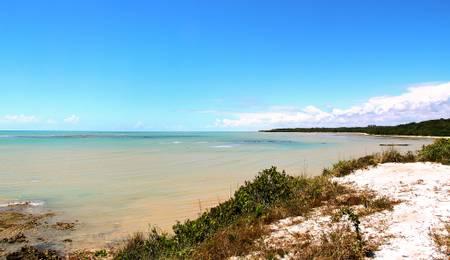 praia-do-moreira-prado-bahia beach