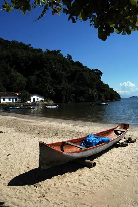 praia-do-pontal-paraty-state-of-rio-de-janeiro beach