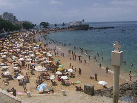praia-do-porto-da-barra-salvador-bahia beach