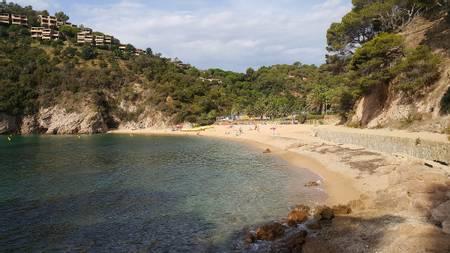 rac%C3%B3-de-llevant-de-giverola-tossa-de-mar-catalonia beach